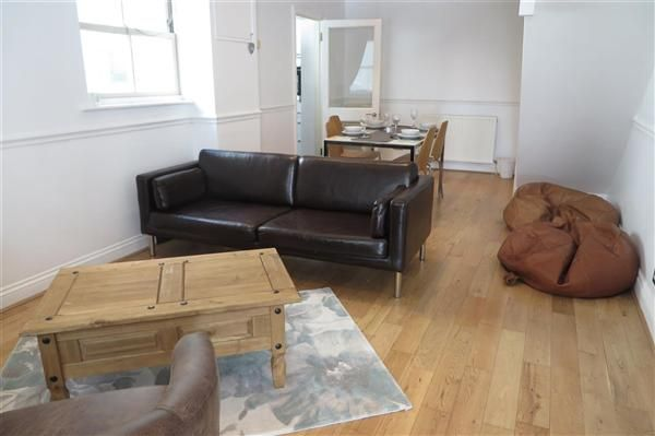 Thumbnail Property to rent in Farm Road, Hove