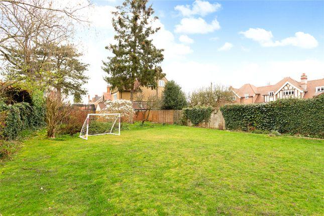 Picture No. 25 of Amenbury Lane, Harpenden, Hertfordshire AL5
