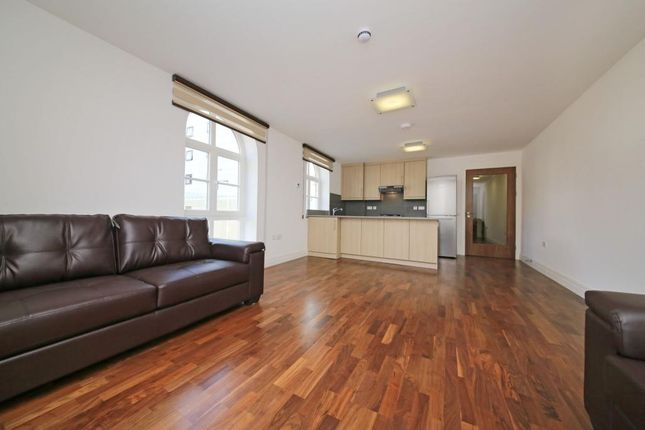 Thumbnail Flat to rent in North Road, Brentford, London