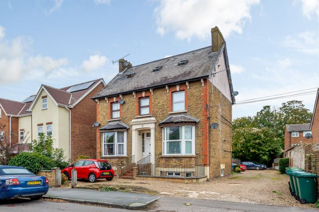 Thumbnail Flat for sale in Leacroft, Staines-Upon-Thames, Surrey