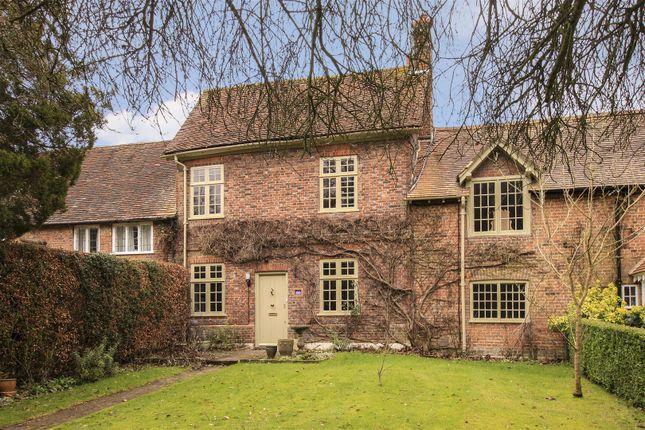 Thumbnail Property for sale in The Grovells, Hudnall Common, Little Gaddesden, Berkhamsted