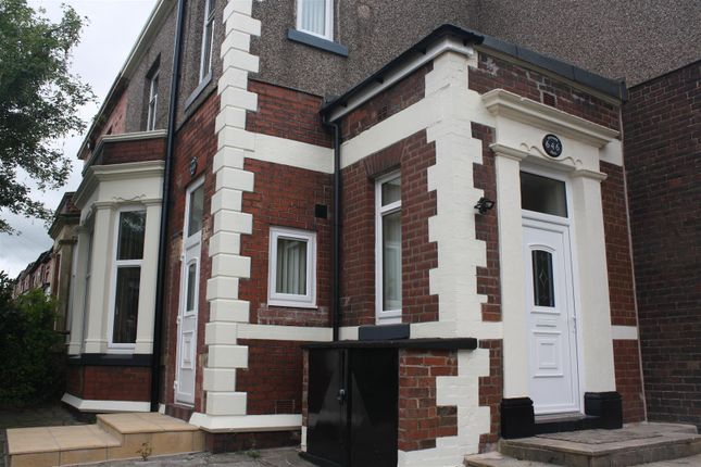 Thumbnail Property to rent in Ripponden Road, Oldham
