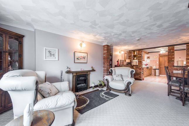 Thumbnail Terraced house for sale in Combs Lane, Stowmarket