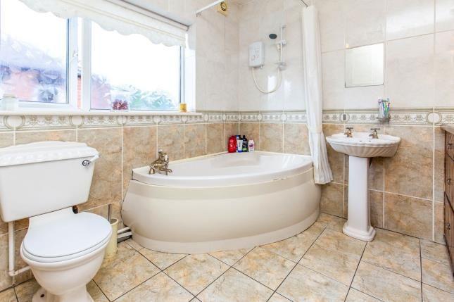 Bathroom of Thornfield Grove, Linthorpe, Middlesbrough TS5