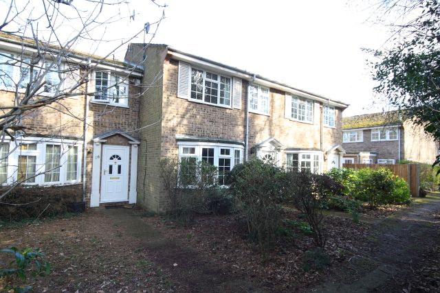 Thumbnail Terraced house for sale in Broomhall Lane, Horsell, Woking