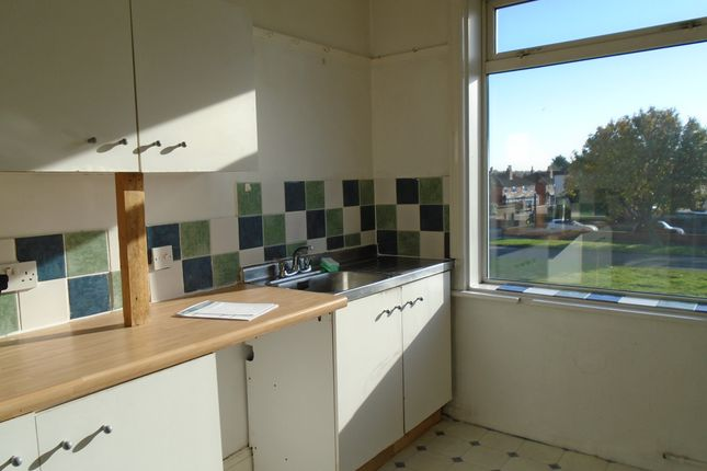 Thumbnail Maisonette to rent in Easterly Road, Leeds