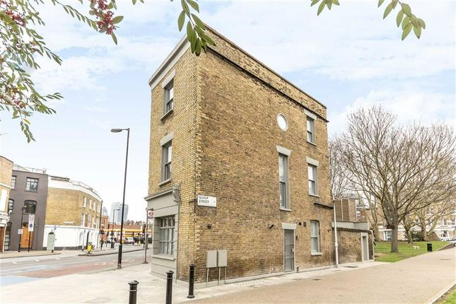 Thumbnail Terraced house to rent in Southwark Bridge Road, London
