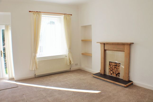 Thumbnail Flat to rent in Hill Street, Dunfermline, Fife