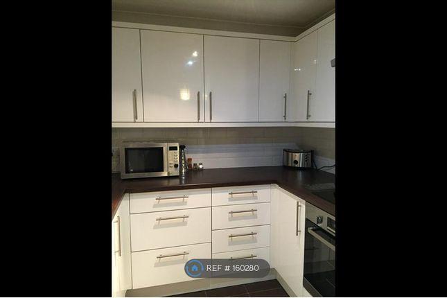 Thumbnail Flat to rent in Holt Close, Borehamwood