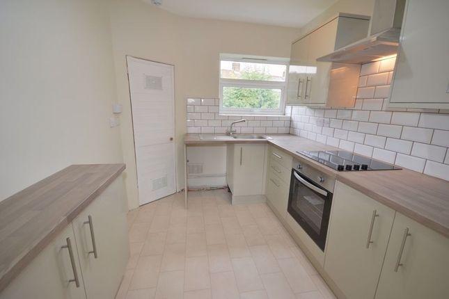 3 bed flat to rent in Meadow View, Sherburn In Elmet LS25