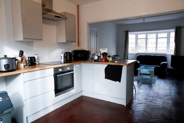 Thumbnail Semi-detached house to rent in Westleigh Road, Leicester