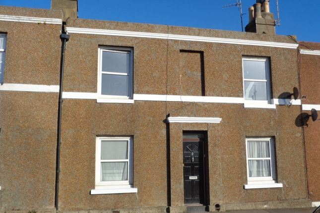 3 bed terraced house to rent in White Rock Road, Hastings
