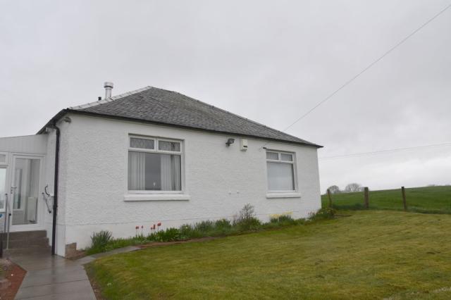 Thumbnail Farmhouse to rent in Crumhaugh Farm Cottage Stonehouse, Stonehouse