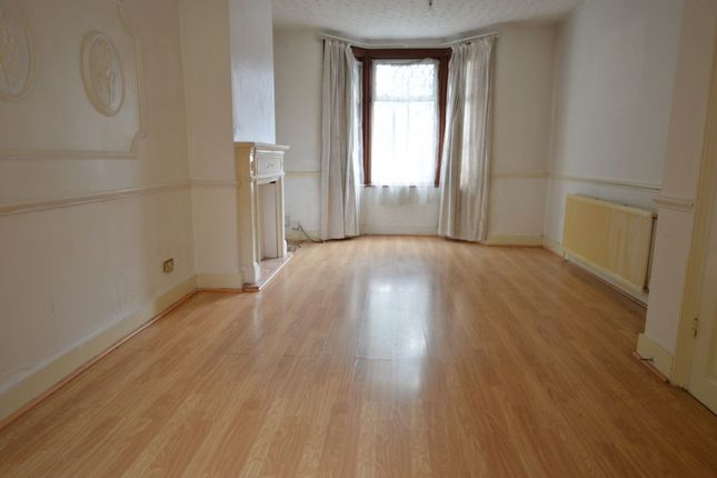 Thumbnail Terraced house to rent in Selwyn Avenue, Highams Park