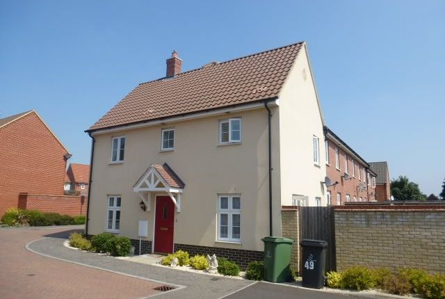 Thumbnail Semi-detached house to rent in Chalk Close, Thetford