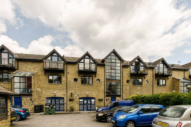 Thumbnail Flat for sale in Broomgrove Road, Stockwell