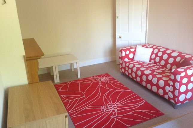 Thumbnail Flat to rent in St Judes Road, Englefield Green, Egham