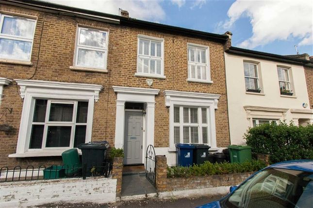 4 bed terraced house to rent in Grove Road, London