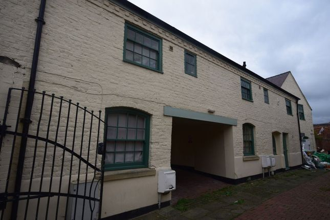 Thumbnail Flat to rent in Charles Street, Wrexham