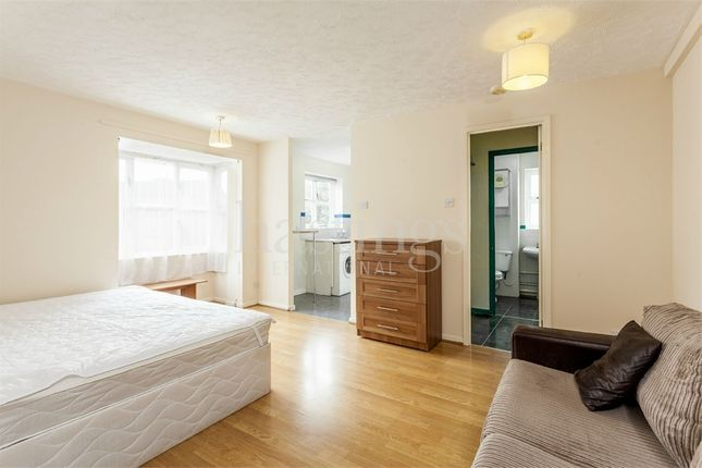 Studio to rent in Stubbs Drive, London SE16