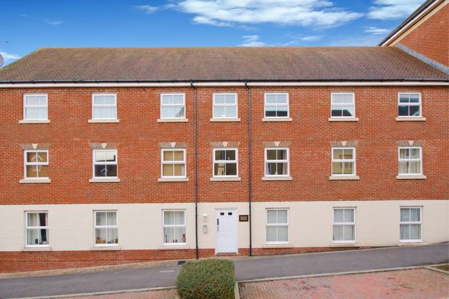Thumbnail Flat to rent in Arnold Street, Swindon, Wiltshire