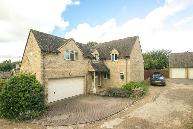 Thumbnail Detached house for sale in Webbs Close, Chadlington, Chipping Norton
