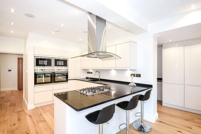 Thumbnail Detached house for sale in Oxhey Road, Watford