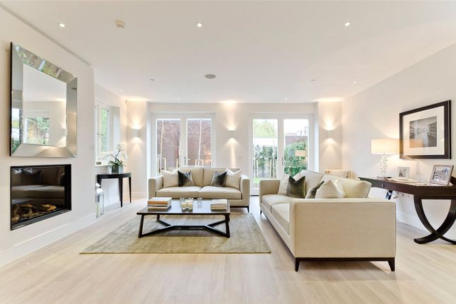 Thumbnail Detached house to rent in Pembroke Gardens, Mortlake