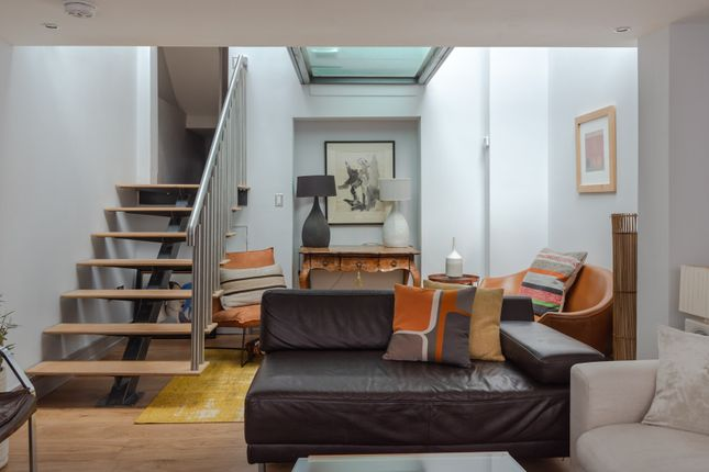 Thumbnail Town house to rent in Guildhouse Street, London