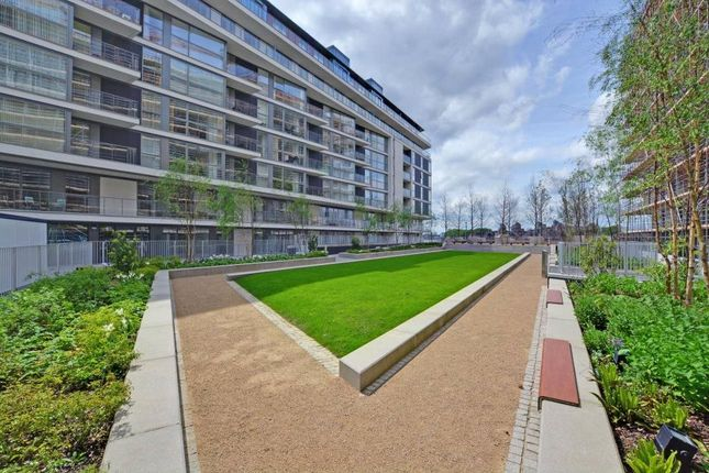 Picture No. 16 of Granite Apartments, 30 River Gardens Walk, Greenwich, London SE10