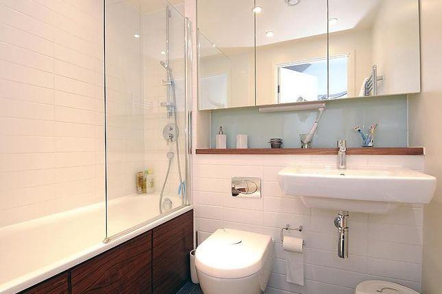Bathroom of Hayward, Chatham Place, Reading RG1