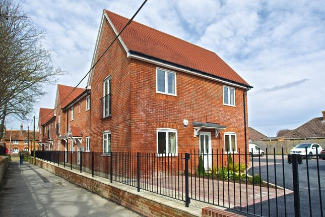 Thumbnail Flat to rent in Eagles Close, Wantage