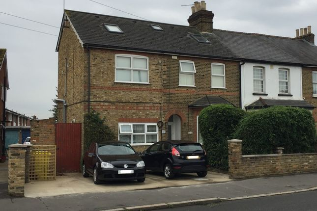 Thumbnail Studio to rent in Hatton Road, Feltham, Middlesex