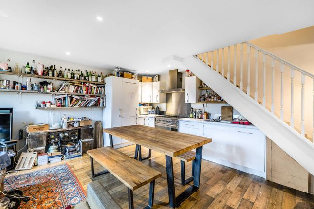 Thumbnail Maisonette to rent in Wynyatt Street, Clerkenwell, London