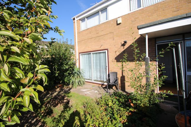 Thumbnail Room to rent in Room 3, Croydon Close, Chelyesmore, Coventry