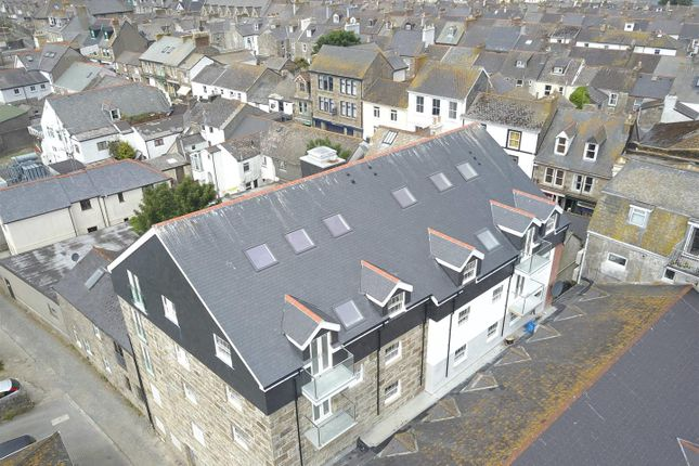 2 bed flat for sale in Causewayhead, Penzance TR18