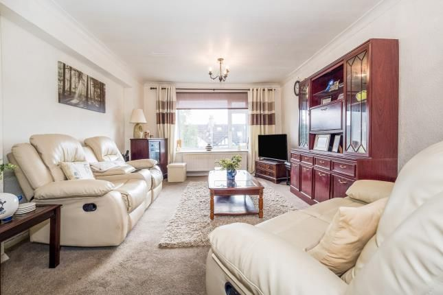 Living Room of Heathcote Grove, London E4