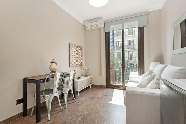 3 bed apartment for sale in Consell De Cent, Barcelona, Catalonia, 08011, Spain