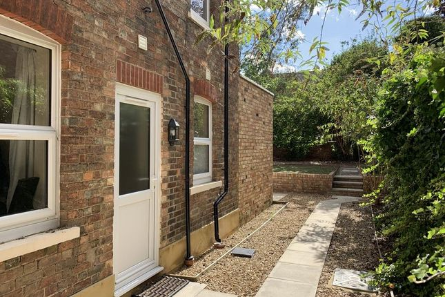 Thumbnail Studio to rent in Clapham Road, Bedford