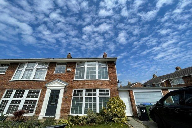 3 bed semi-detached house to rent in Delves Way, Lewes BN8