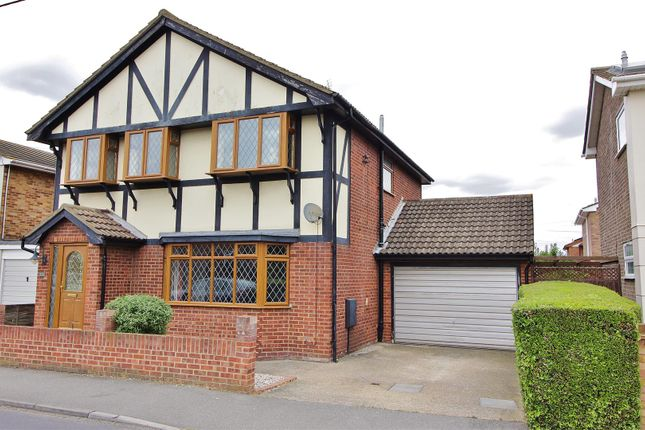 Thumbnail Property for sale in Waarden Road, Canvey Island