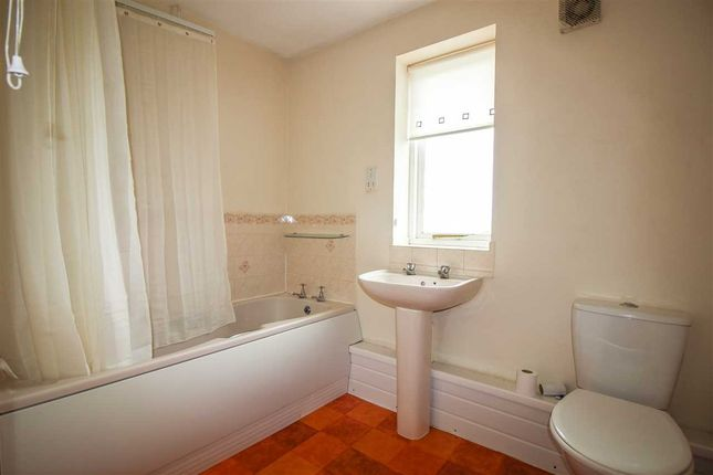 Bathroom of Whinmoor Place, Cowgate, Newcastle Upon Tyne NE5