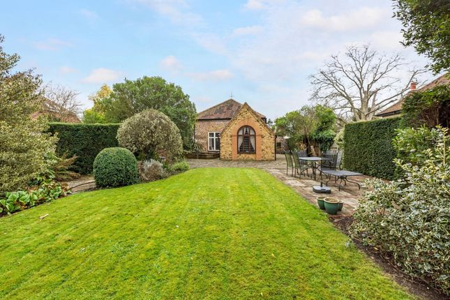Thumbnail Barn conversion to rent in School Lane, Cookham, Maidenhead