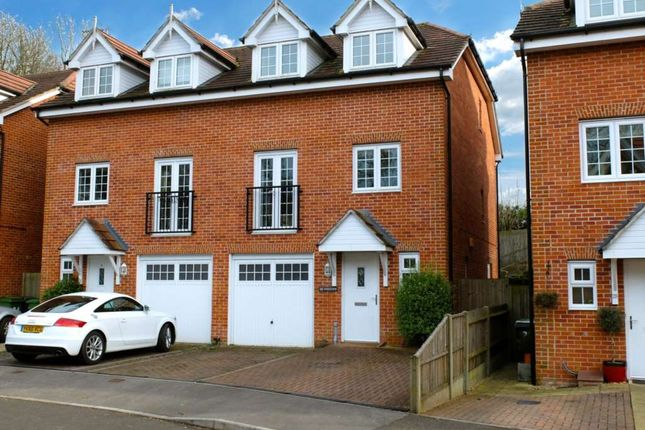 Thumbnail Town house to rent in Kings View, Alton