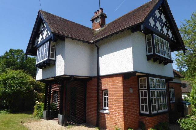 Detached house to rent in Harpsden Road, Henley On Thames