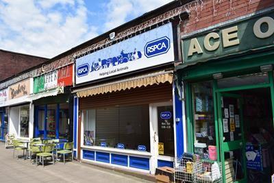 Thumbnail Retail premises to let in 32 Market Avenue, Ashton-Under-Lyne, Greater Manchester