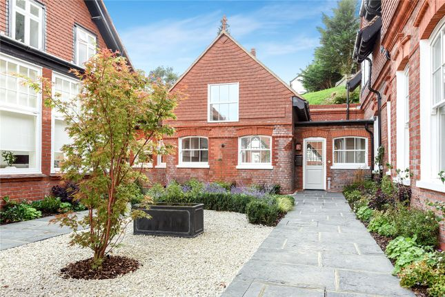 2 bed terraced house to rent in Bruce Manor Close, Wadhurst, East Sussex TN5