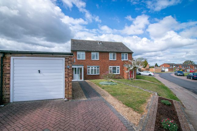 Thumbnail Semi-detached house for sale in Moss Way, Hitchin