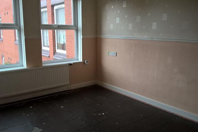 Thumbnail Flat to rent in Stalybridge Avenue, Hull, East Riding Of Yorkshire