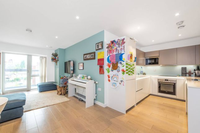 Thumbnail Flat to rent in Collins Building, Brent Cross, London